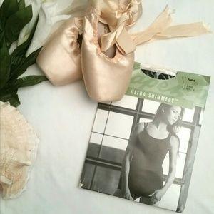 *Capezio Women's Black Ballet Tights*